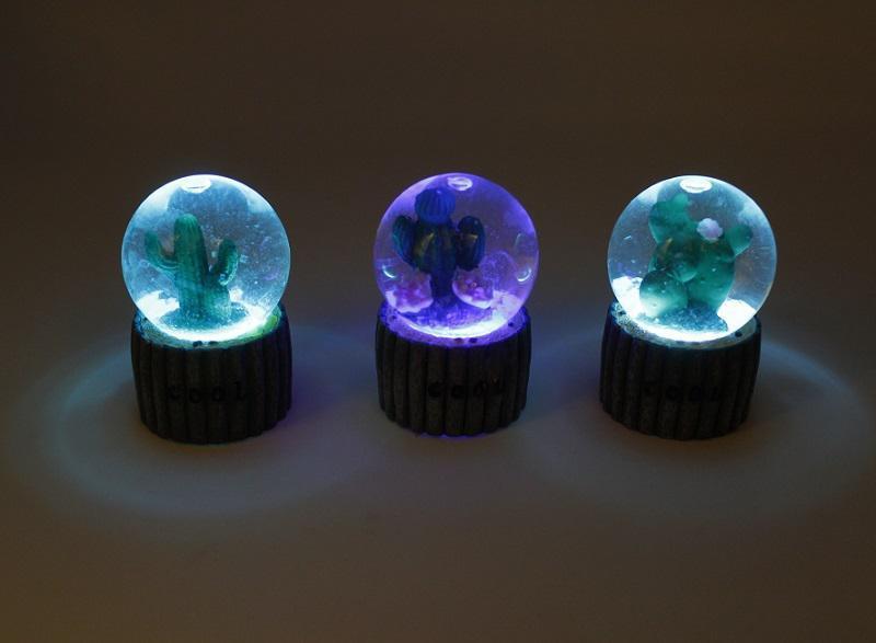گوی LED چمک زن طرح کاکتوس